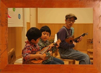 4.1(土) KAMAKA UKULELE × mammoth 親子ウクレレ教室 @ 西宮阪急